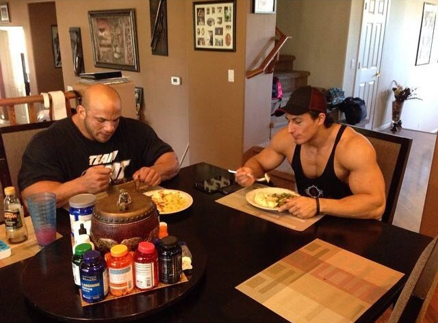 Big ramy and sadik eating
